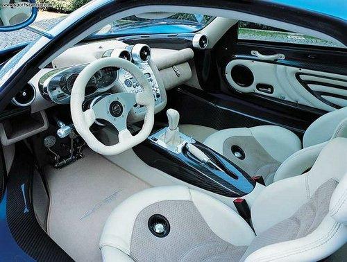 pagani-zonda-c12-s-interior.jpg