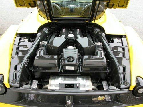 ferrari-f430-scuderia-spider-16m-silnik