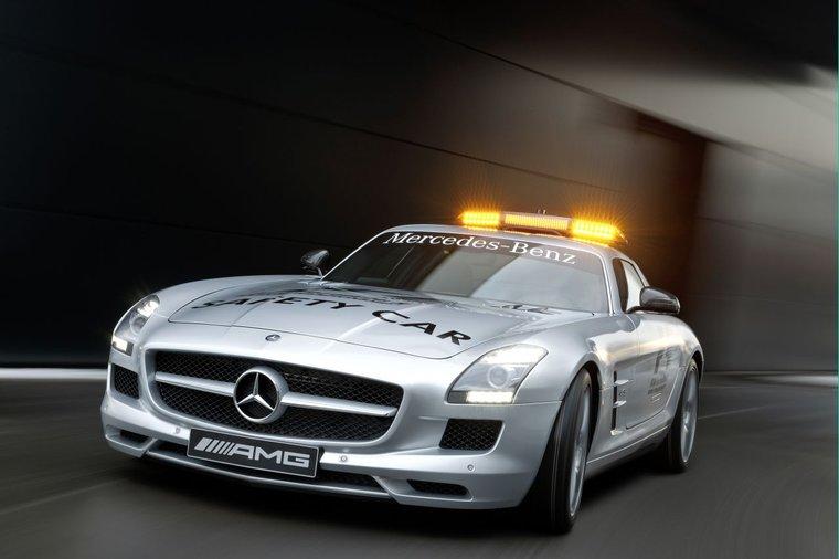 Samochód bezpieczeństwa F1 2010 - SLS AMG