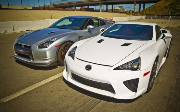 Lexus LFA vs Nissan GT R